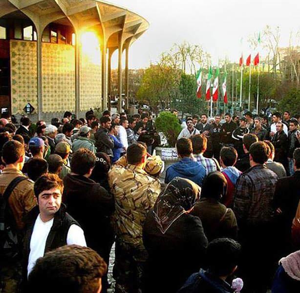 دانلود اجرای زنده ی مجید خراطها در پارک دانشجو