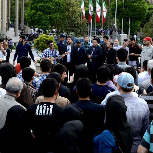 دانلود کلیپ جدید از اجرای مجید خراطها در پارک دانشجوی تهران در روز مادر